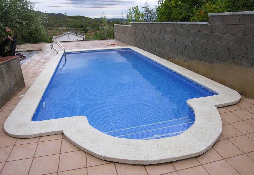 Piscinas castromar tarragona el vendrell piscinas for Ver piscinas